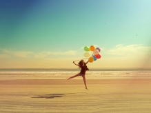 balloon-balloons-beach-colorful-girl-happy-favim_com-49830