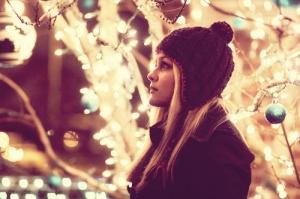 01-030232-alone-at-christmas